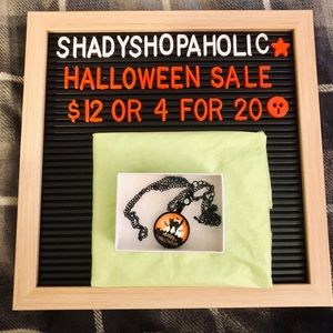 🎃 4 for $20 🆕 Halloween Necklace